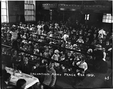 1919 salvation army peace tea party burton on trent.jpg